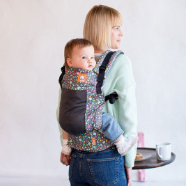 Play Tula free-to-grow baby carrier