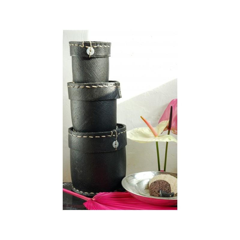 Grande boite ronde en pneu karawan naturiou for Grande boite