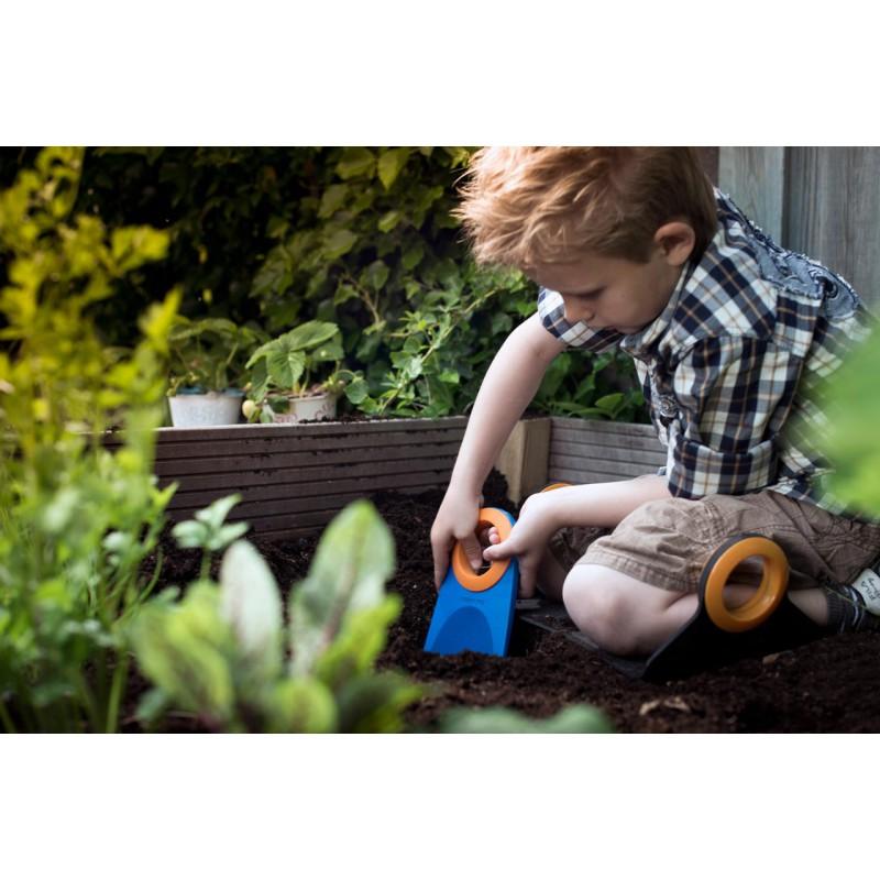 set de petits outils jardin pour enfants fiskars naturiou. Black Bedroom Furniture Sets. Home Design Ideas