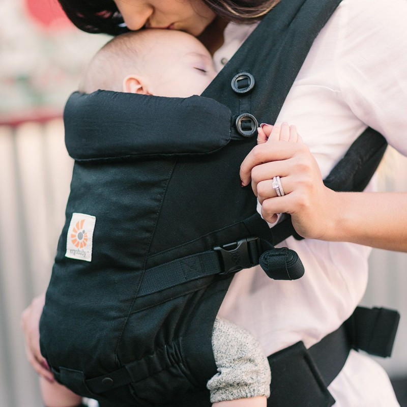 ... porte-bébé physiologiqueAdapt Noir assise a689e78d87a