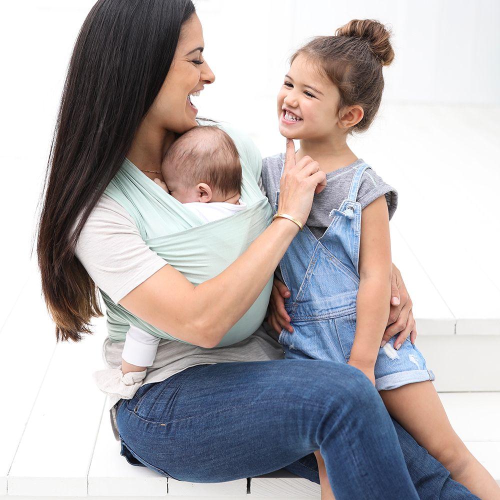 Ergobaby Creates Aura A New Generation Of Baby Wrap Naturiou