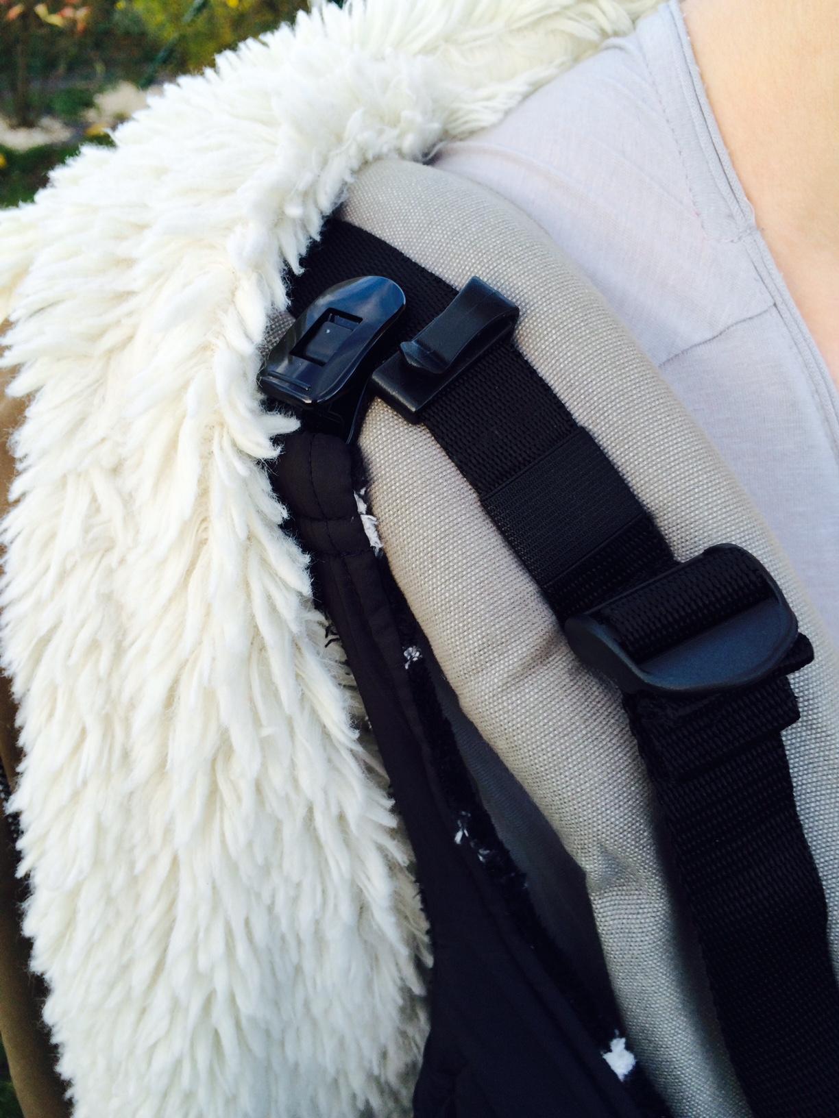 df966d3ce15 Avis couverture de portage Lucky noir étoiles