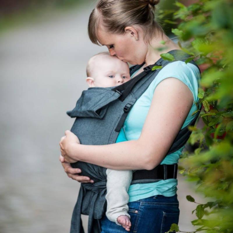 Quelle est la différence entre le Storchenwiege Babycarrier classique et le Slim