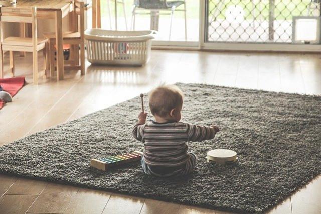 Comment s'occuper à la maison avec ses enfants ?