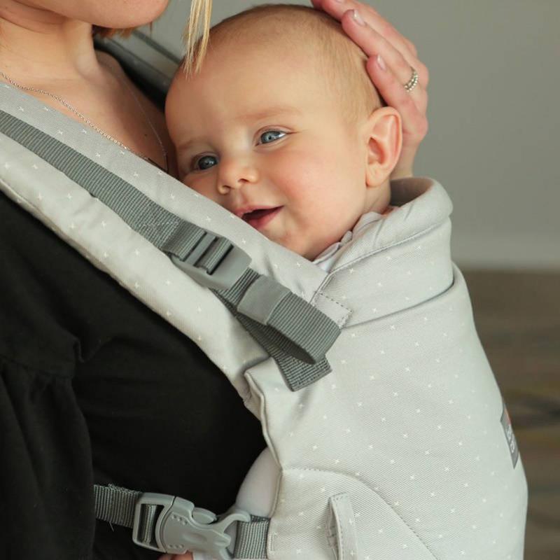 Le porte-bébé physiologique ONE +, le meilleur préformé dès la naissance